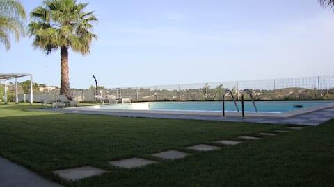 Appartamento in moderna  villa con piscina