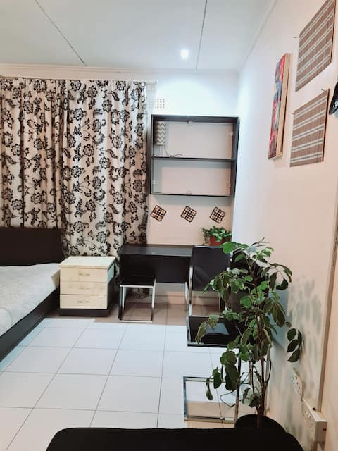 Self contained private bachelor's apartment