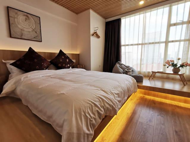 二楼次卧室