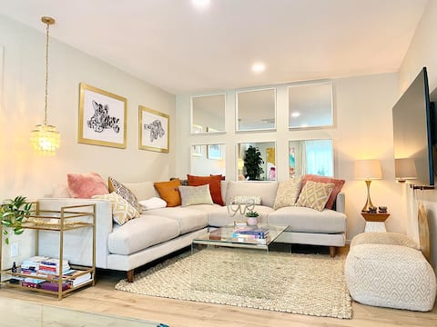 Stylish Home☆Next to Trails & 2 min from Oak Creek