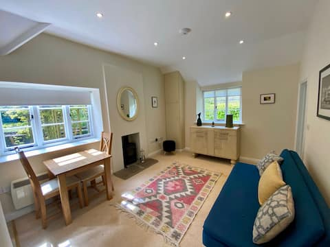 Picture-perfect village hideaway near trendy Frome