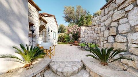 Karaburun Saip Stone Villa