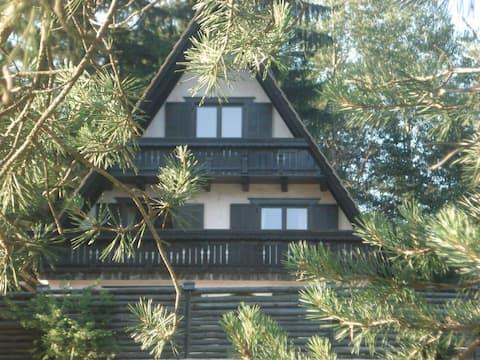 Fairytale cottage house only 30 km from Ljubljana