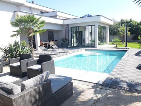 Magnifique villa avec piscine et jacuzzi