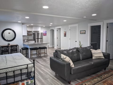 Kicks On 6 - Suite w/ Kitchen Just Off HWY 6 & I15