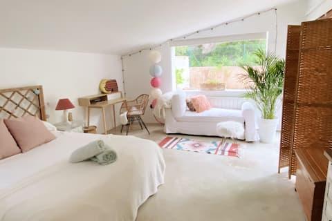 Lovely Bohemian Luxury Room+ garden+ pool in javea