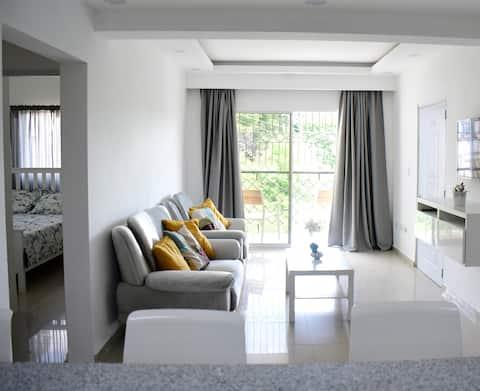 Lovely 2 Bedroom- In The Heart of SAMANA