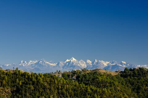 2BR Stone cottage with Wifi & Himalaya view