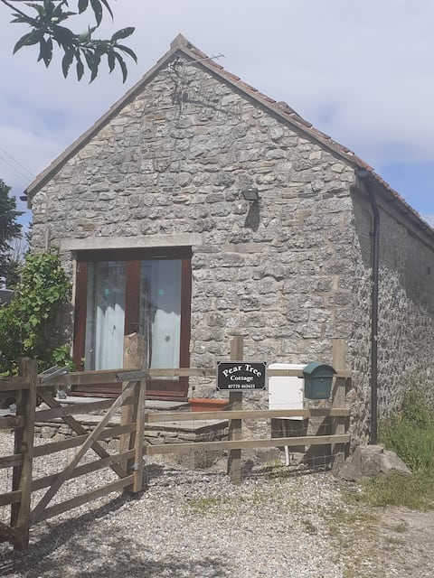 Rural 2 bed cottage parking, garden and great view