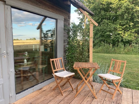 Delightful 1-bedroom barn with a view