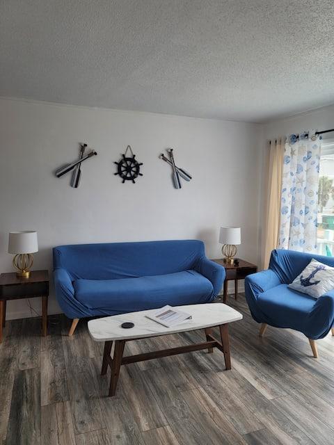 1 Bedroom Beach side Bungalow with Ocean Views