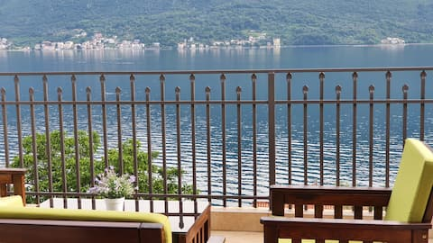 Lovely 3 bedrom unit with the great sea view