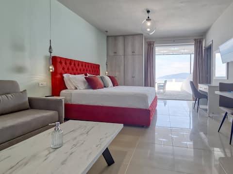Epipleon Luxury Suites -102- 40τμ με βεράντα 35τμ