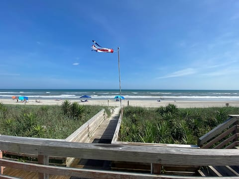 Beachside Town Home with Pool - Pine Knoll Townes