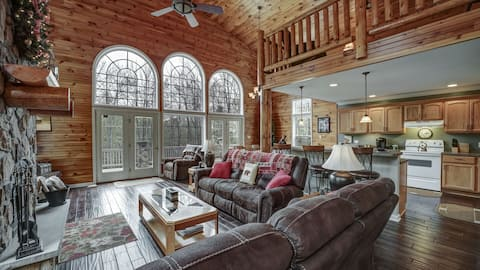 Chalet in the Hills- minutes from Ellicottville