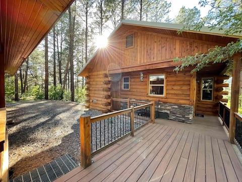 Luxury Studio Cabin in the Woods - Sleeps 2-4