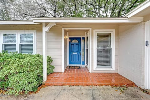 Complete House - Two Oaks Rancher, Midcentury home