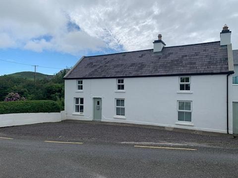 Traditional Riverside Irish House in Annascaul