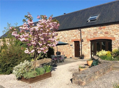 Holiday Cottage & Pool in beautiful South Devon