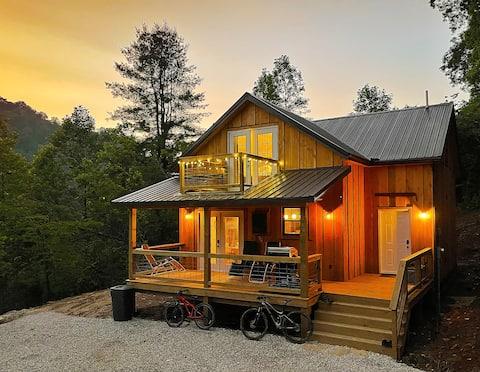 Newly-built See Rocks Vista Cabin