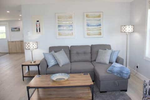 Adorable 1 bedroom flat with bay views!