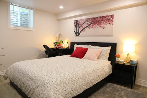 Newly Renovated bedroom with ensuite bathroom