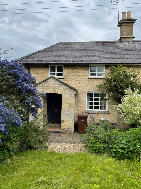 Daisy Cottage - Quaint and quirky country cottage