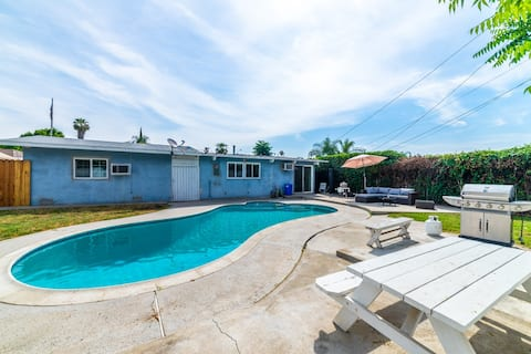 Vacation Home W/Pool & Games For The Whole Family