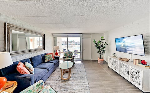 Beautifully remodeled 1 BR Condo in Coral Cay