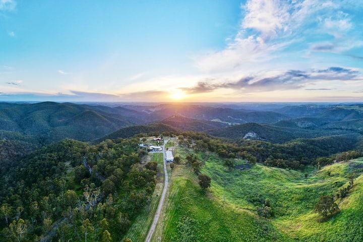 'THE BARN' @ Abercrombie Ridge