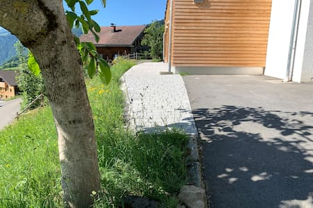 Zugang und Parkplatz für Ferienwohnung