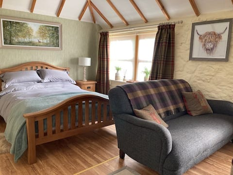 Romantic, cosy barn situated in a quaint village