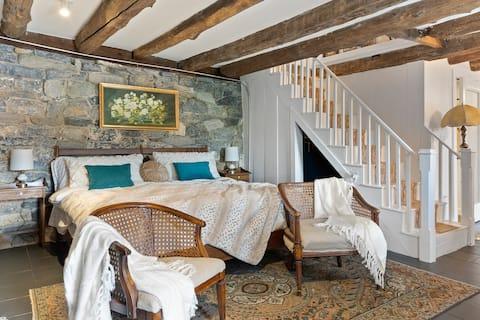 Historic Stone Cellar Suite in Jonesborough, TN