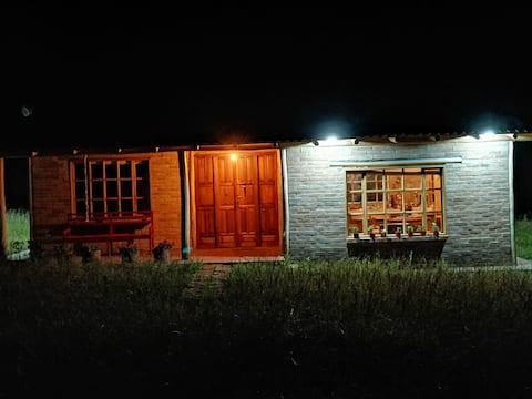 Agradable casa de campo con chimenea interior