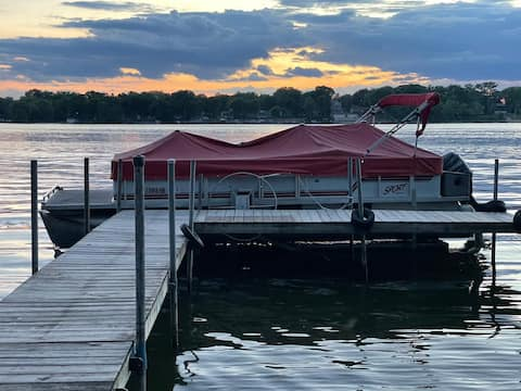 Beautiful 5 bedroom Lake house on Chain O Lakes