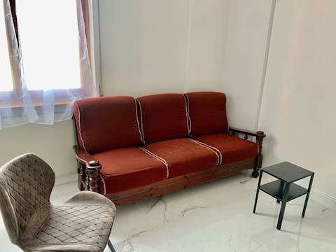 [BERGAMO] Tv, Couch & Bar | Airport transfer