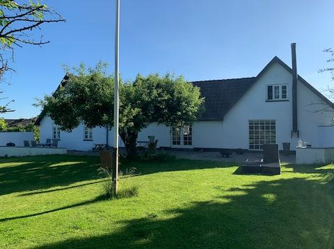 Charming, renovated farmhouse with garden