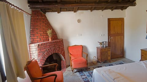 Charming nature lodge, with fireplace