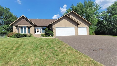 Large Comfortable House in White Bear MN