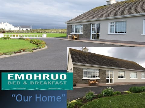 """Emohruo """"Our Home"""" Cliffs of Moher 5 Minutes away"""