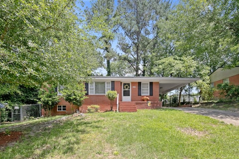 Cozy, Clean, Comfy home at the heart of Fayetteville