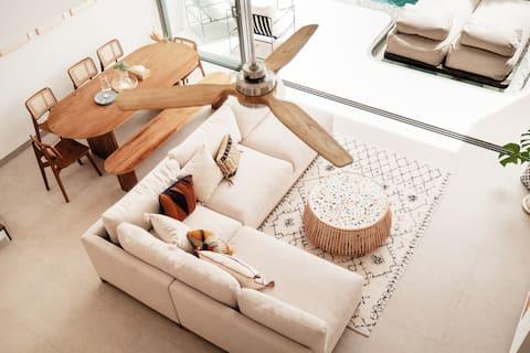 Solana East - New Modern 3BD Villa Nelayan Beach
