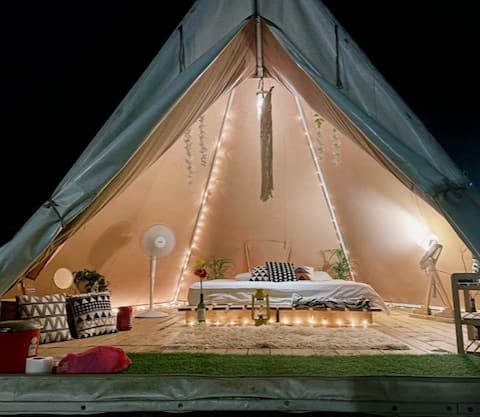 Romantic stay for couples w bfast & dinner