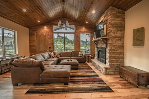 New! Luxury Rocky Mountain Retreat w/Hot Tub