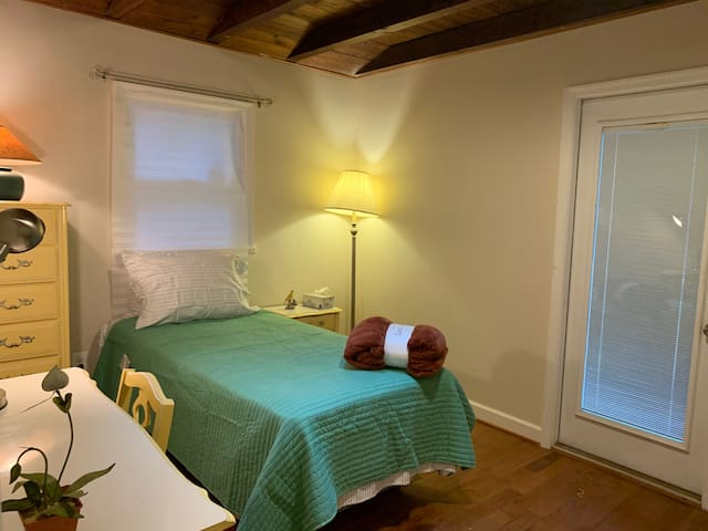 Bedroom # 3 (Twin Bed)  w/ a separate entrance.