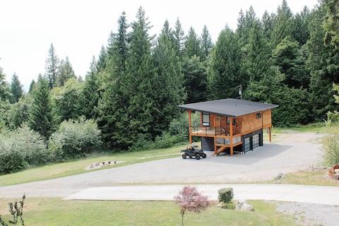 Hideaway Creek - Modern luxury retreat