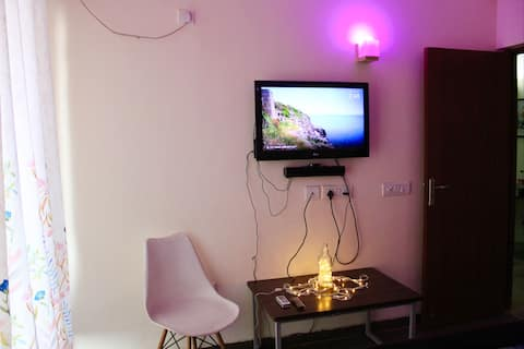The Deja View- 1BHK -Couple Friendly- WFH- Private
