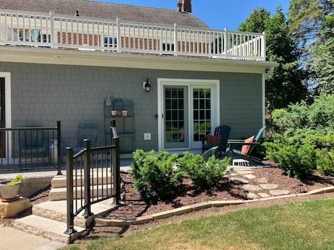 Garden Studio w/Patio - Steps from Downtown Shops