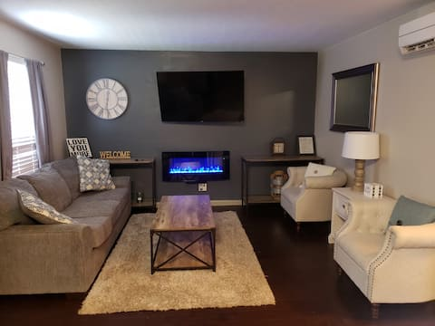 Clean and Cozy 2 Bd 1 ba Louisville. Pets allowed.