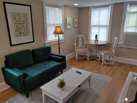 Cute 1-bedroom guesthouse in historic Sanford